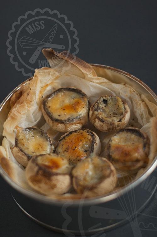 Champiñones rellenos de queso azul - Miss Vinagre
