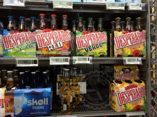 Desperado de Colores! y a un precio que no solemos ver... (también habia botellas grandes!)